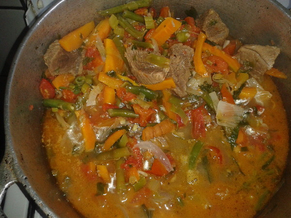 Boeuf roti aux legumes - Quantite de viande par personne par jour ...